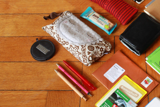 whats_in_my_eco_bag_03