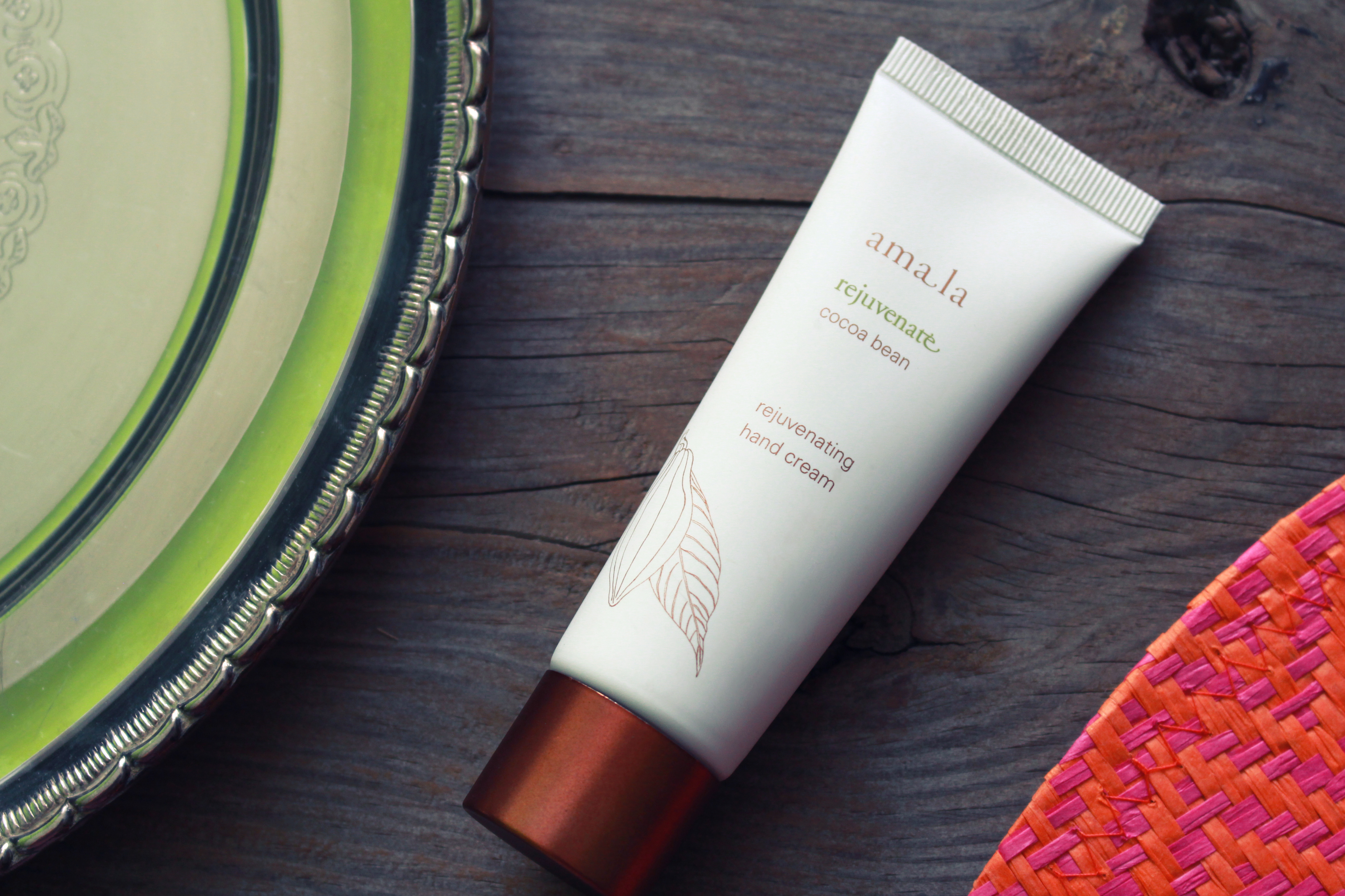 amala-rejuvenating-handcream-cocoa-bean