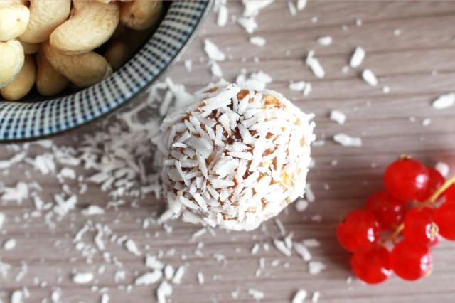 vegan-raw-energy-balls-cocos-limette