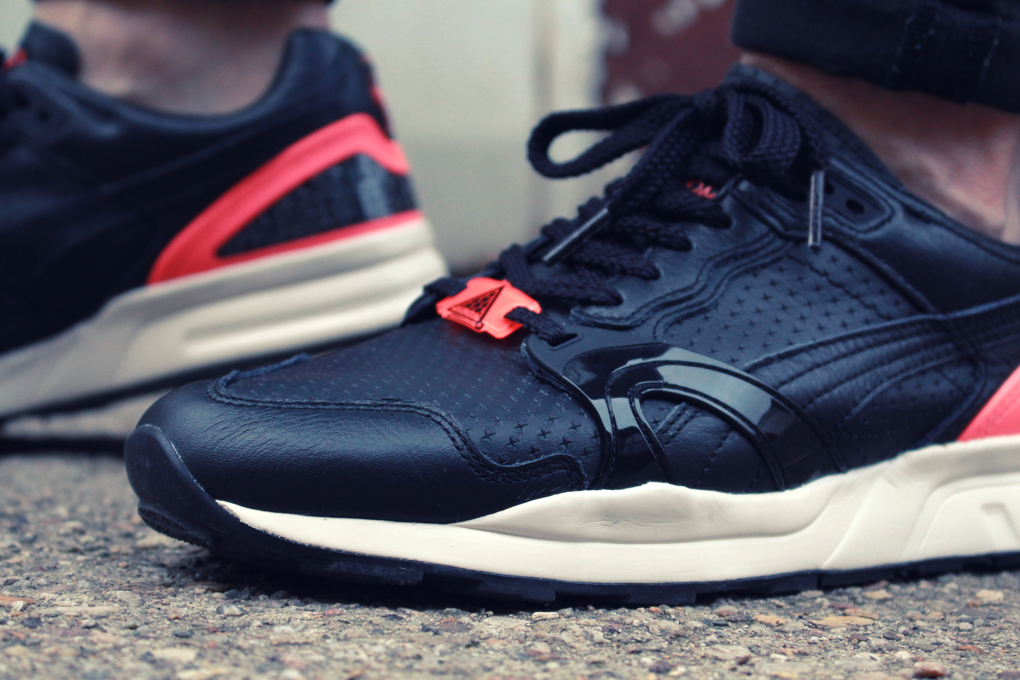 puma-trinomic-xt2-plus-black-crackle-pack-04