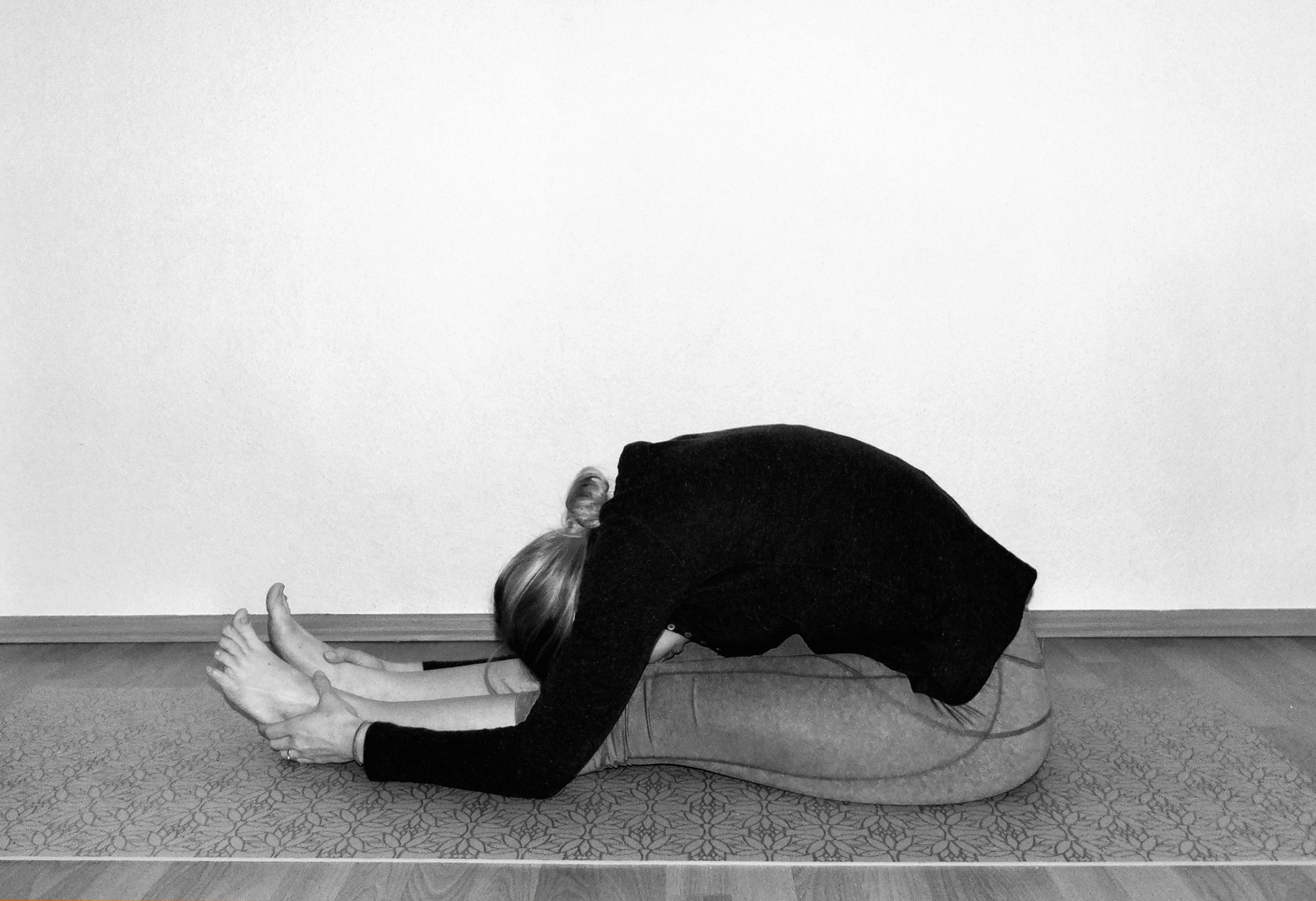 yoga-asana-vorbeuge