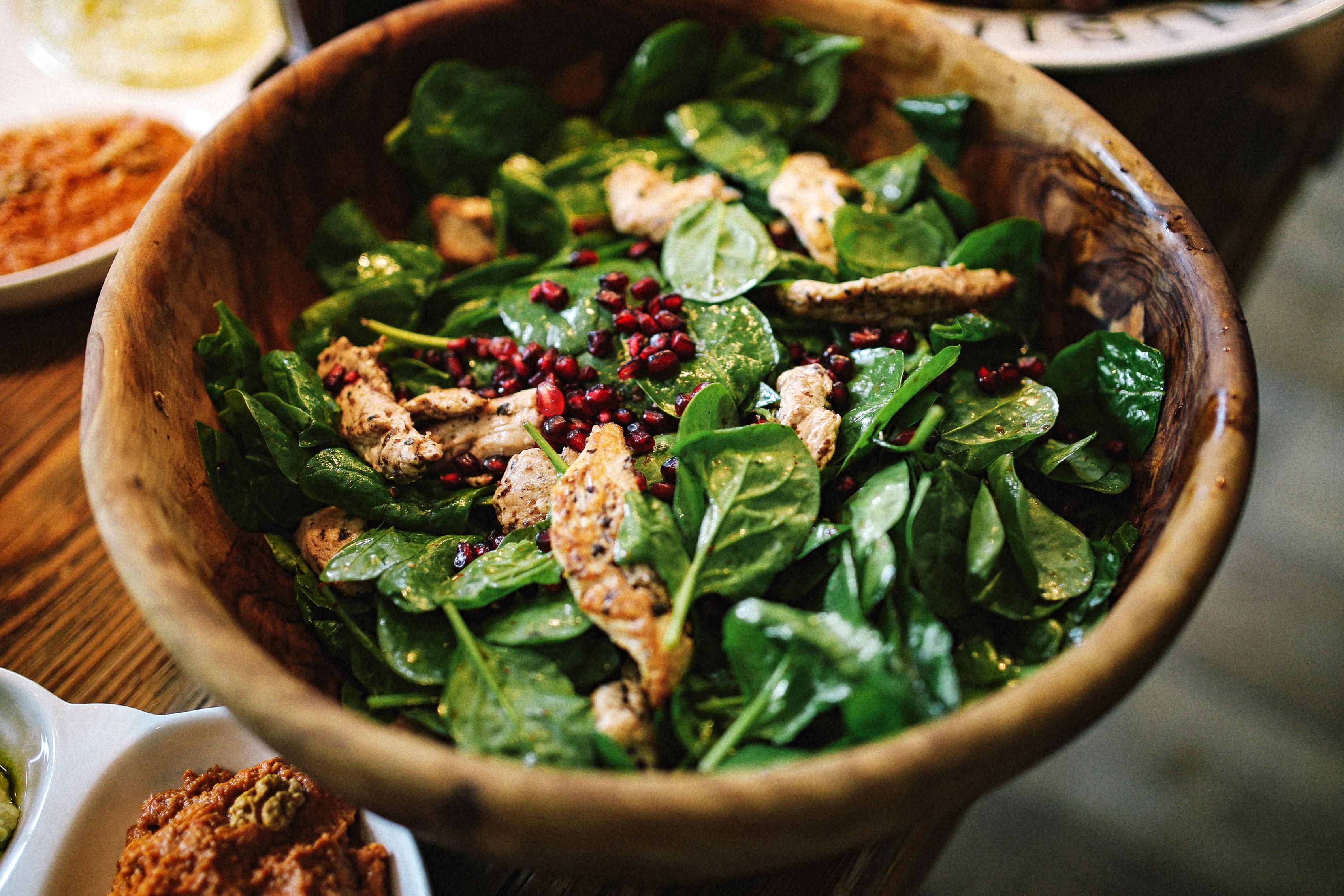 rezept-spinat-hähnchen-granatapfel-salat