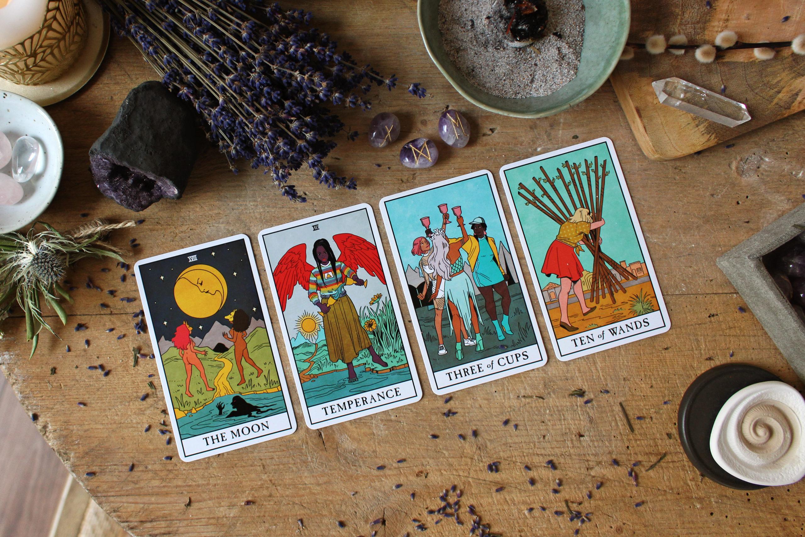 Achtsamkeit für mehr Nachhaltigkeit im Alltag - moderne Spiritualität und Tarot Karten